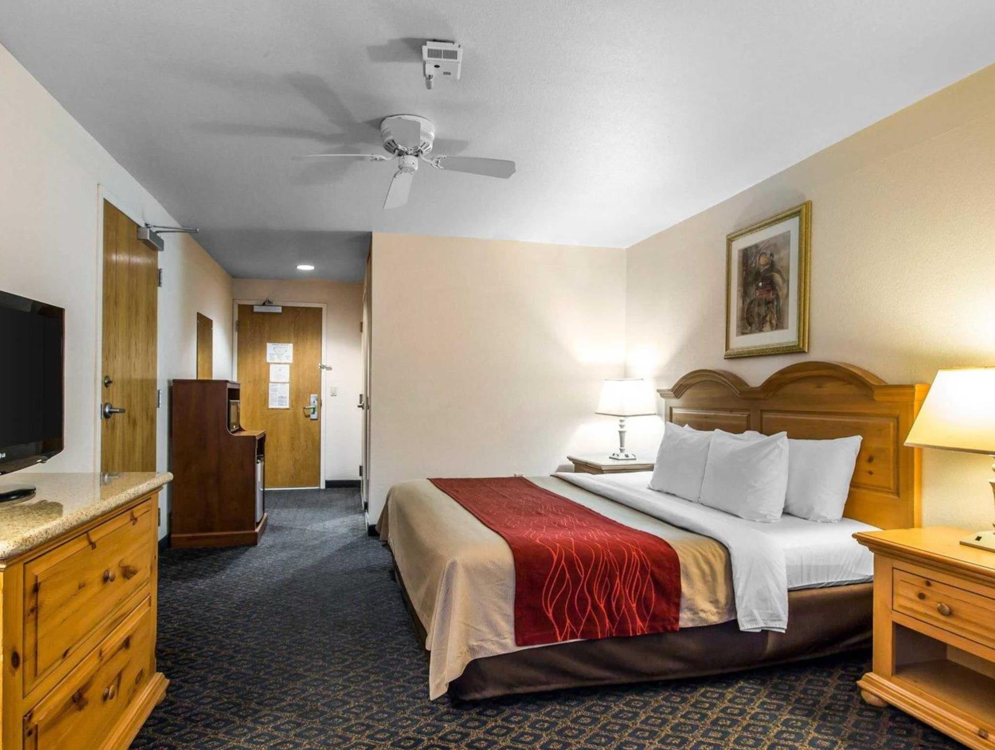 Price Comfort Inn & Suites Sequoia Kings Canyon