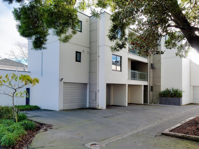 Carlton Villa 3   Christchurch Holiday Homes
