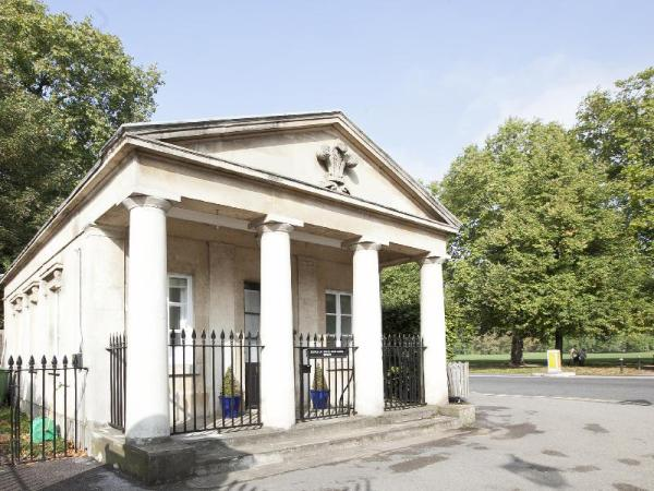 Prince of Wales West Lodge London