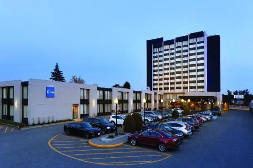 Travelodge Hotel & Convention Center by Wyndham Quebec City