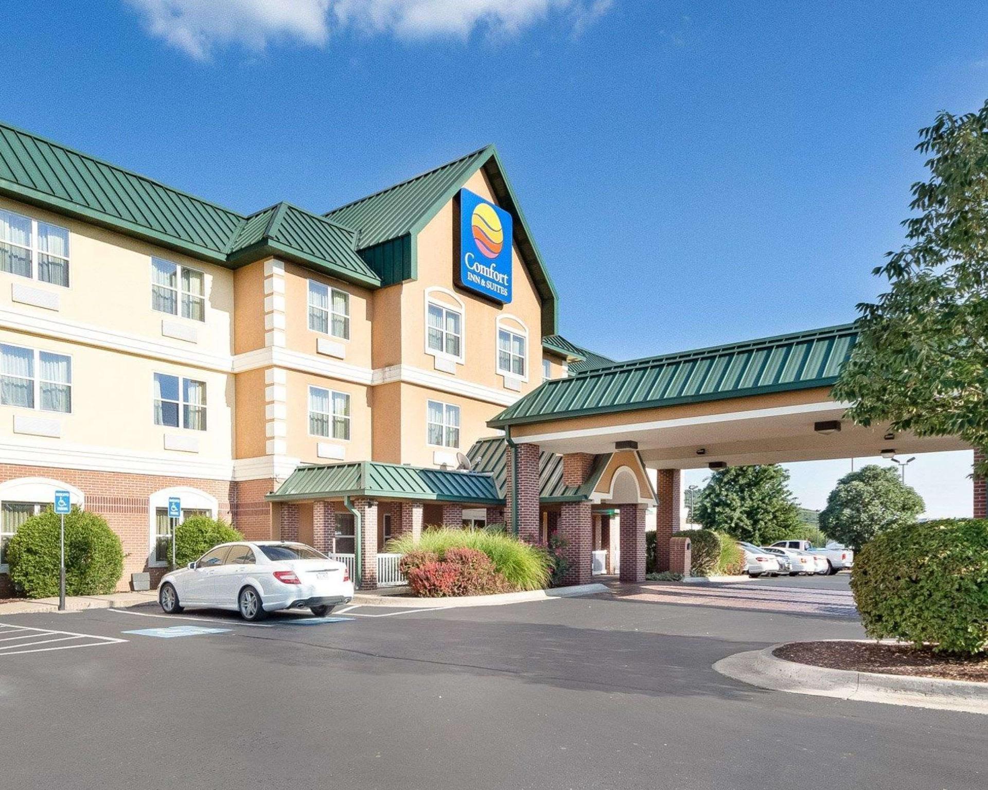 Comfort Inn & Suites Fayetteville Reviews