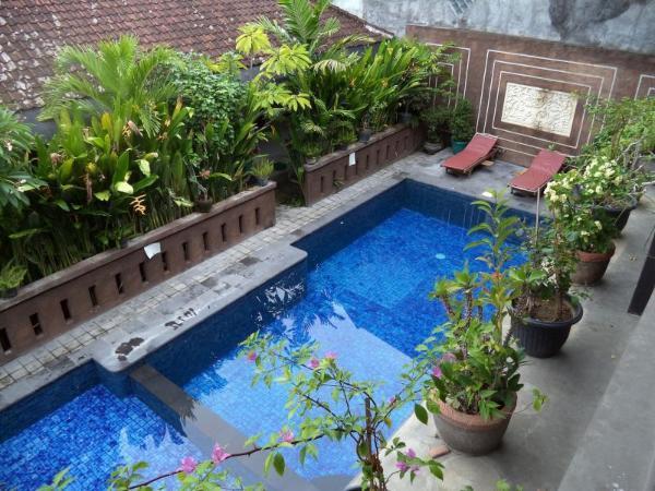 Waringin Home Stay Bali