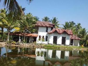 Lagoon Villa