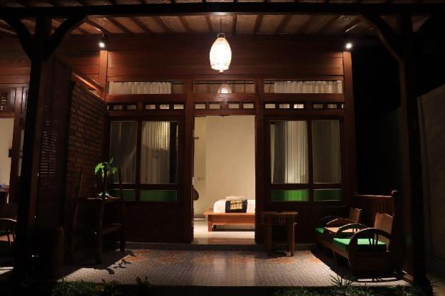 Mirah Guest House