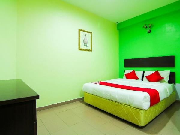 OYO 43962 Ezzy In Hotel Seri Manjung