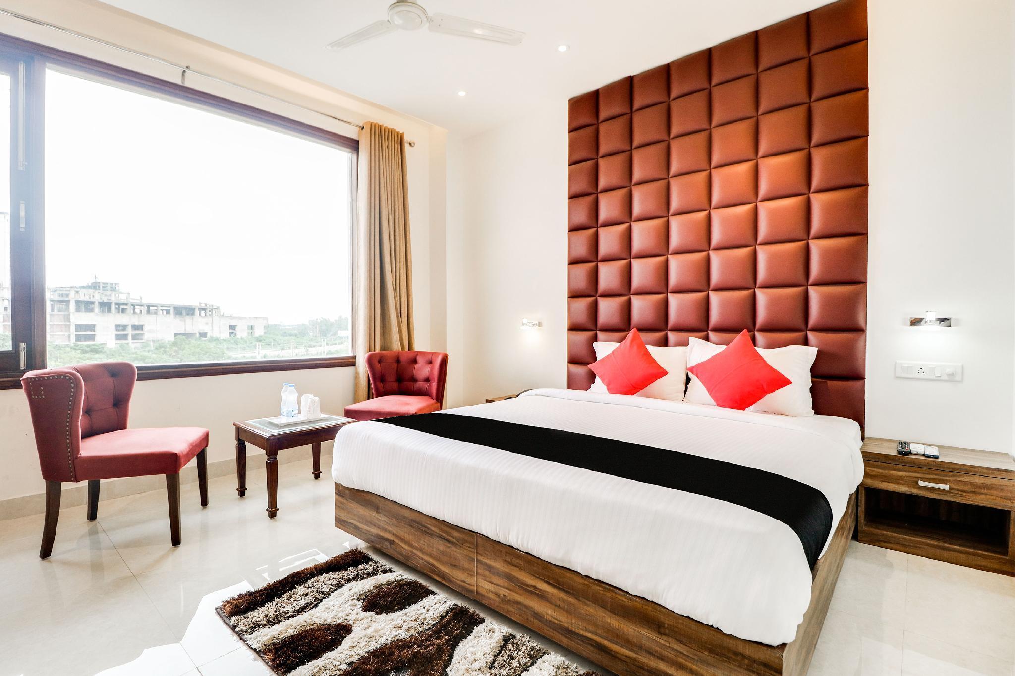 Capital O 44117 Hotel Alphonso