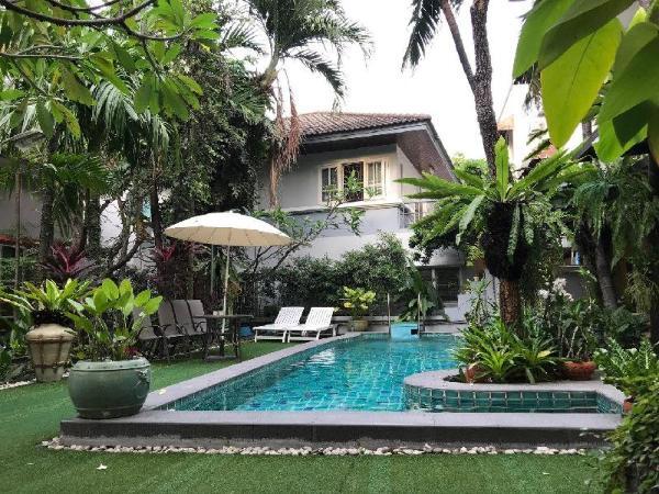 Spacious B&B near JJ market-Entire suite with Pool Bangkok