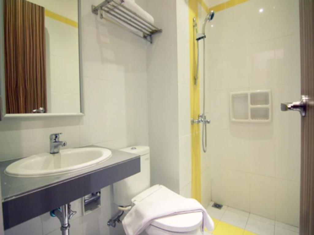 Alivio Suites Kuningan Ehouzz Guest House Hotels Book Now