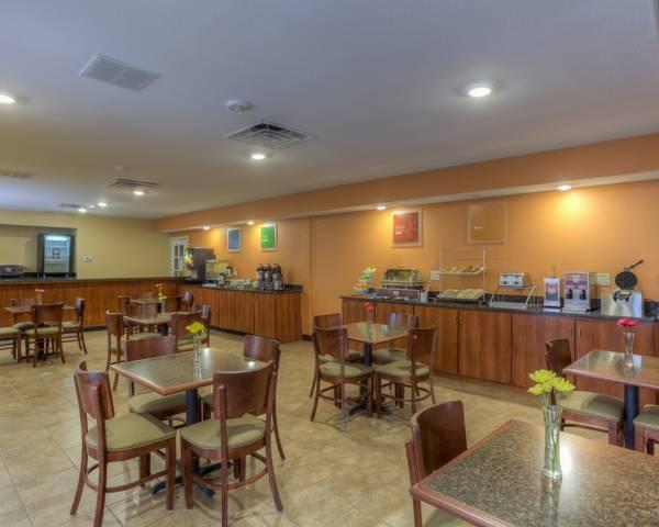 Price Quality Inn & Suites