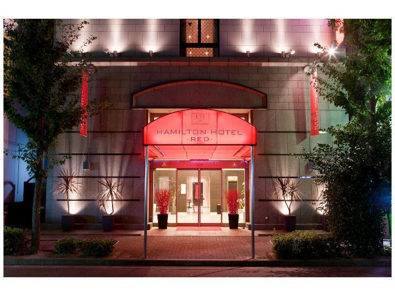 Hamilton Hotel Red