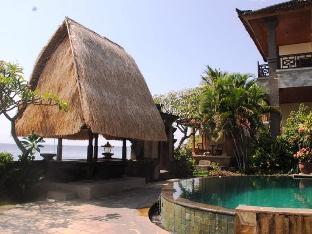 Sunshine Beach Bungalows and Restaurant