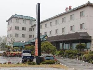 Baekche Tourist Hotel