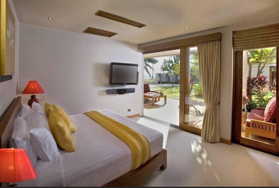 5/6 Bed Beachfront Villa - Chef, Nanny, Maid วิลลา 5 ห้องนอน 5 ห้องน้ำส่วนตัว ขนาด 250 ตร.ม. – หน้าทอน