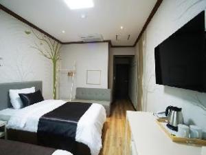 水族海滩酒店 (Aquabeach hotel)