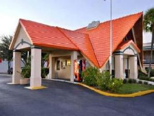 Howard Johnson Express Inn - Tampa Hotel