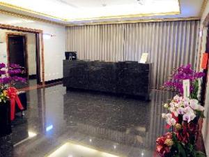 Gold Sand Hotel