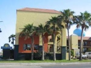 โรงแรมเซาท์พาเดอร์ไอส์แลนด์เดย์สอินน์ (South Padre Island Days Inn Hotel)