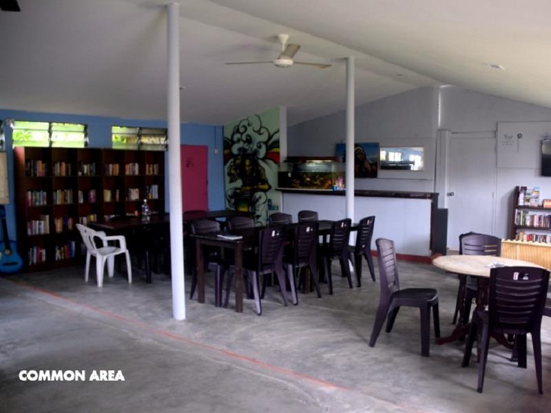 Zackry Guest House   Youth Hostel