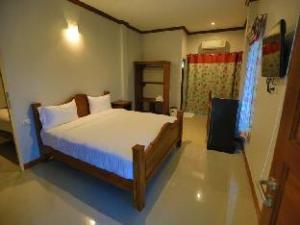 Suksopha Resort