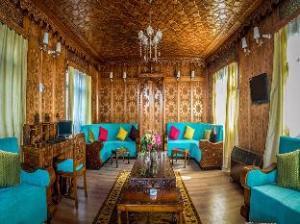 Naaz Kashmir Luxury Houseboat