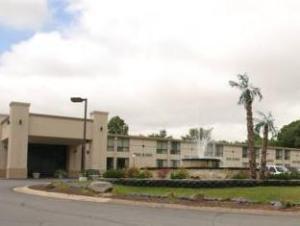 Howard Johnson Inn - Poconos Area / Bartonsville