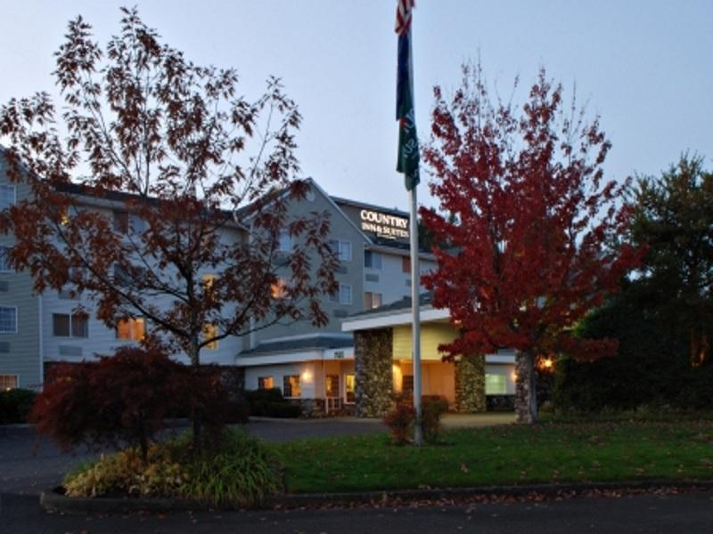 Price Country Inn & Suites by Radisson, Portland International Airport, OR