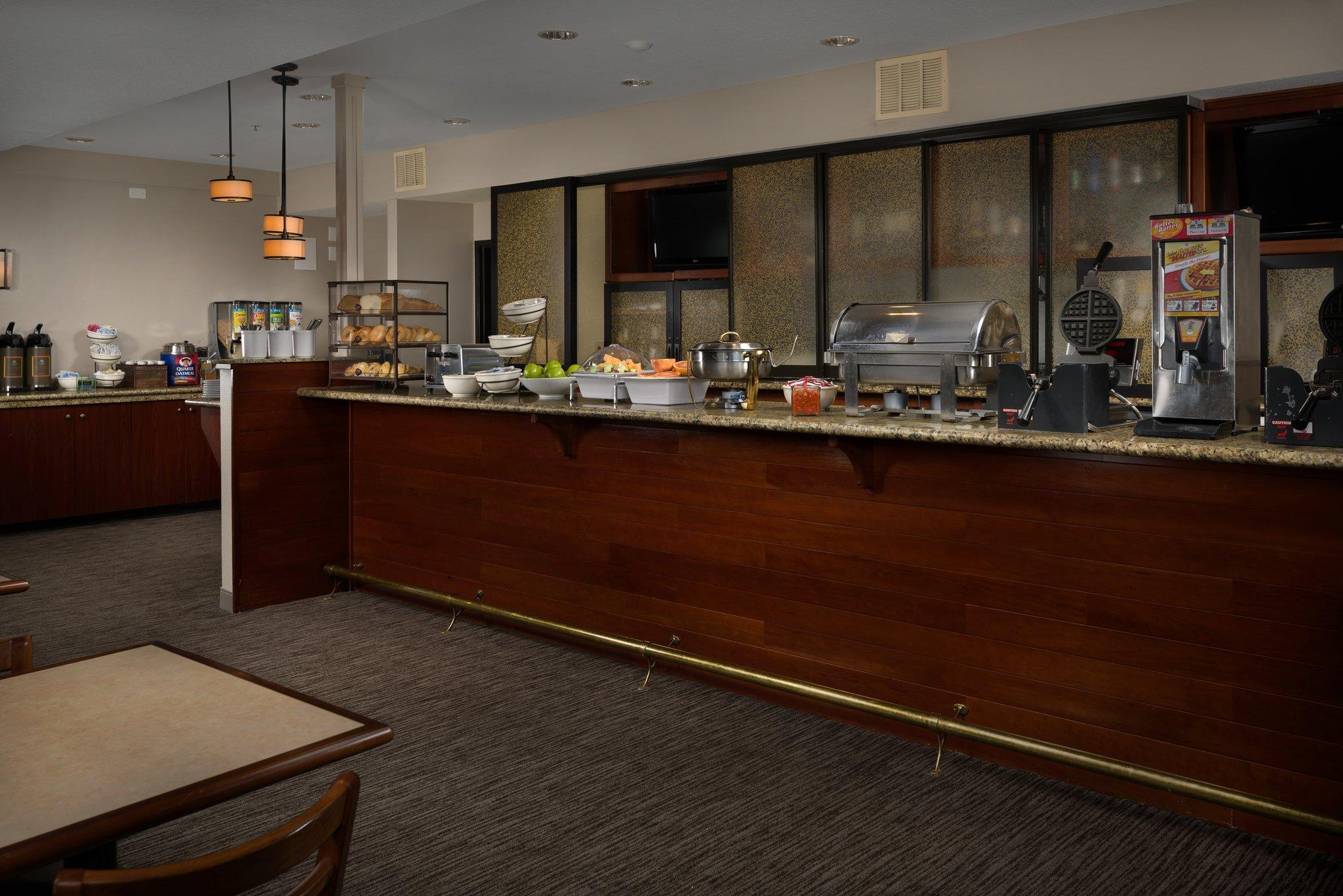 Country Inn & Suites by Radisson, Portland International Airport, OR Discount