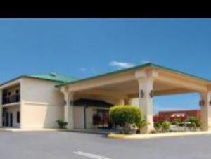 Econo Lodge Waycross Hotel