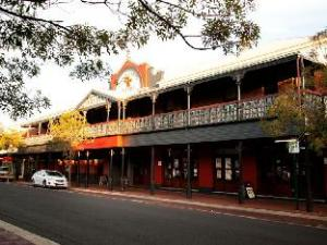 Over Prince of Wales Hotel Bunbury (Prince of Wales Hotel Bunbury )