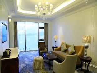 Фото отеля Xiamen Goldcommon Royal Seaside Hotel and Hot Spring