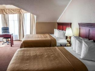 Фото отеля Quality Inn & Suites