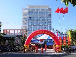 宏贤酒店 (Huong Sen Hotel)