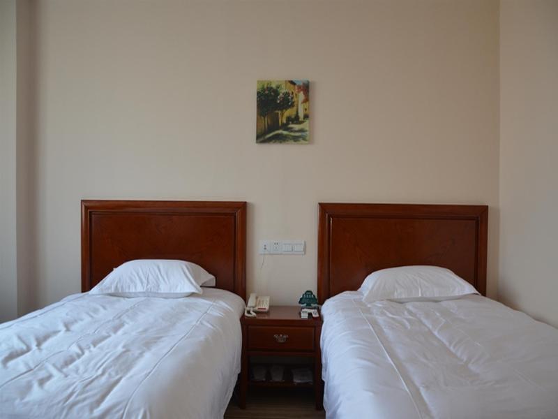 GreenTree Inn Anhui Yaohai District MingGuang Road Bus Station Express Hotel