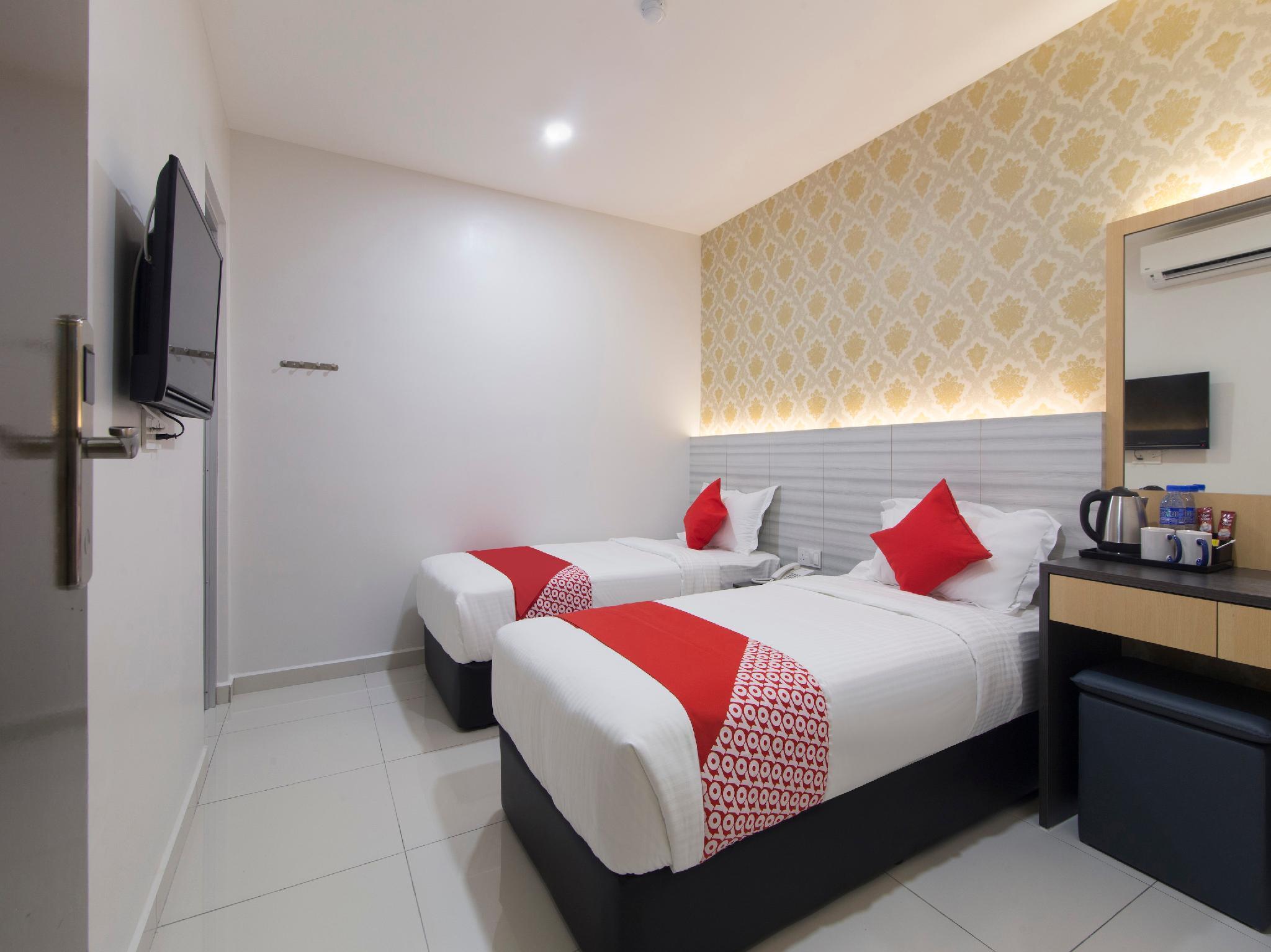 OYO 44119 BandL HOTEL