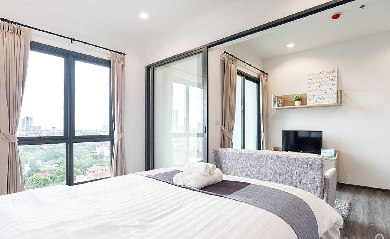 Ivory Suites #B (BTS Wongwian Yai) อพาร์ตเมนต์ 1 ห้องนอน 1 ห้องน้ำส่วนตัว ขนาด 30 ตร.ม. – ธนบุรี