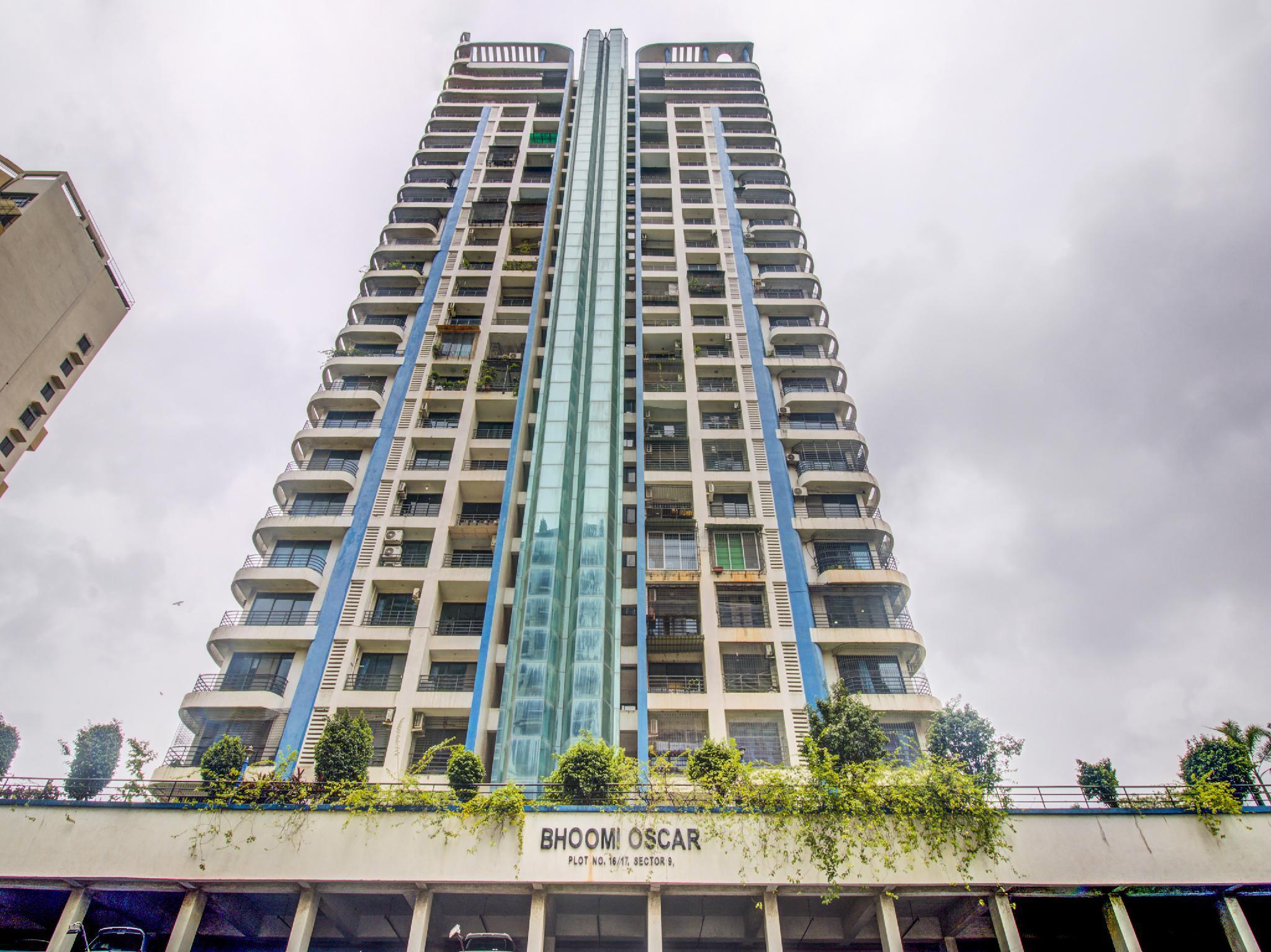 OYO 46983 Kamran Service Apartment