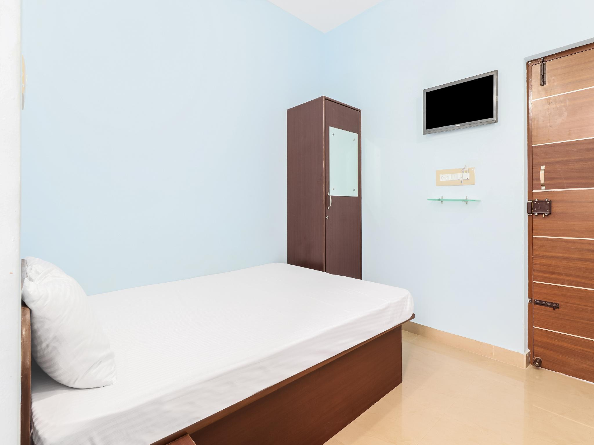 SPOT ON 46666 Hotel Ck International
