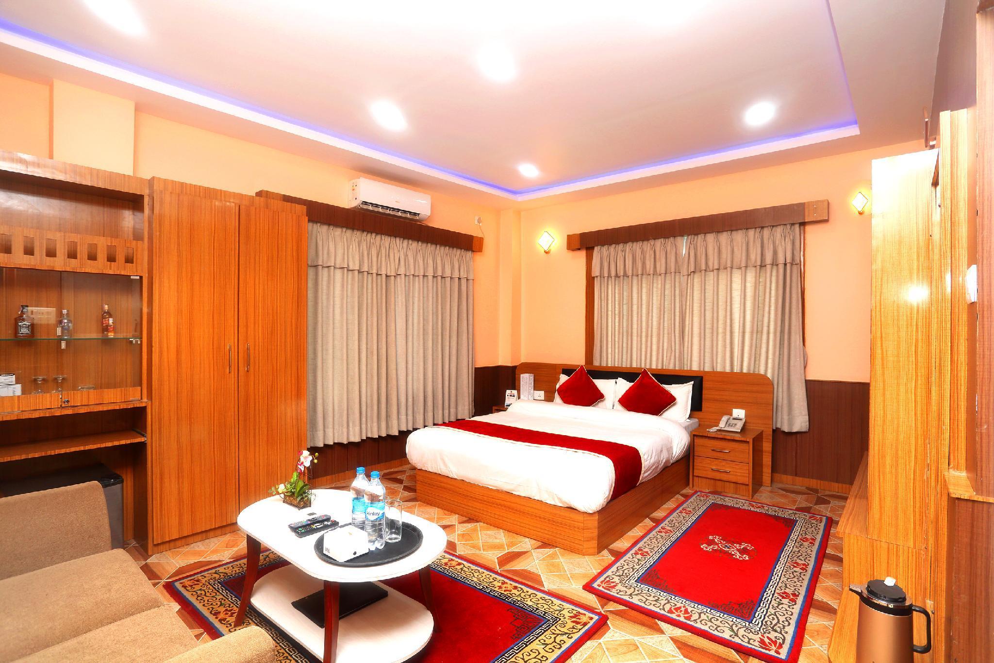OYO 523 Gautam Hotel Chapur