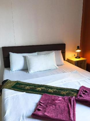 スリトラン ホテル Sritrang Hotel