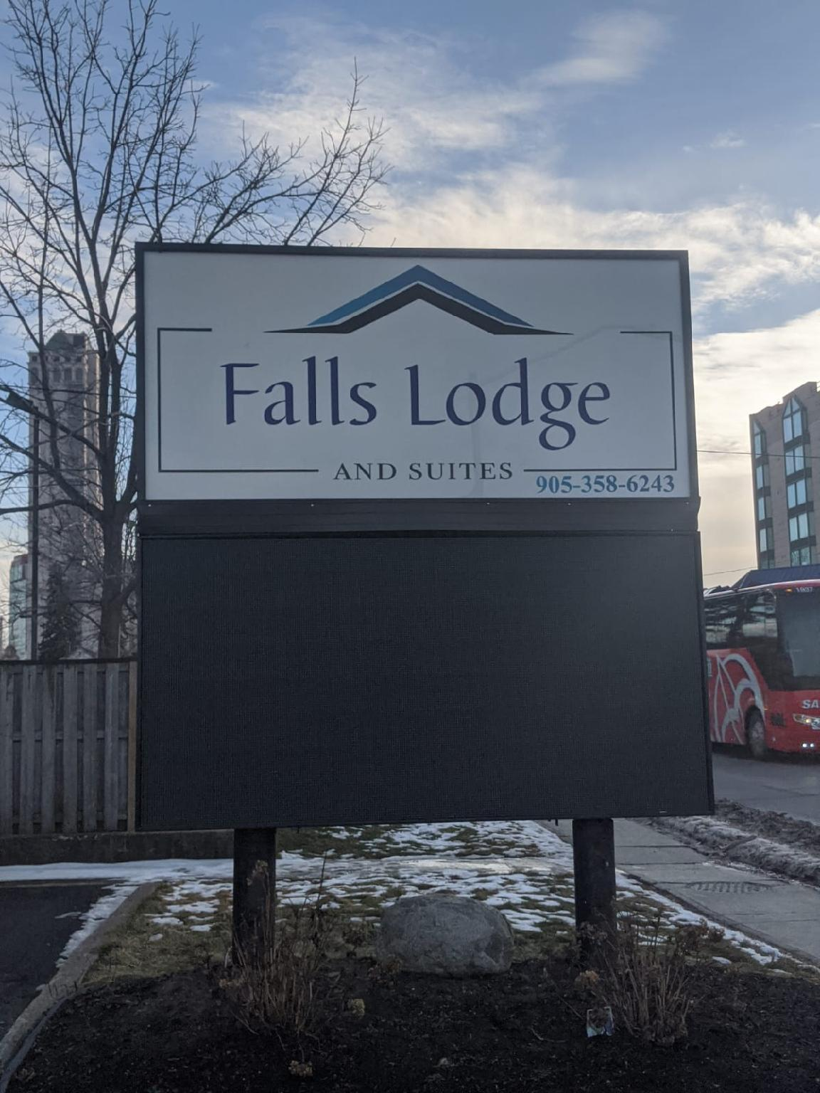 Falls Lodge And Suites Niagara Falls