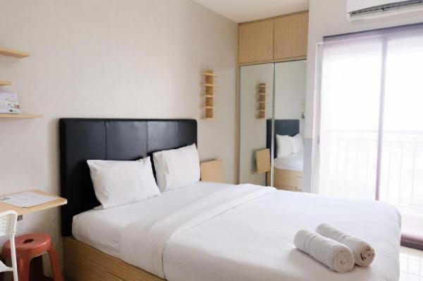 Cozy and Comfort Studio Serpong Greenview Apartment By Travelio Tangerang