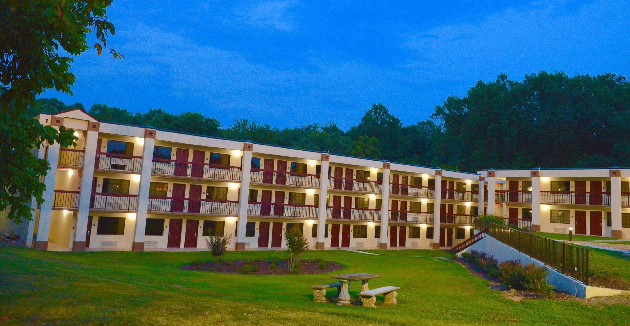 Red Roof Inn & Suites Commerce - Athens Reviews