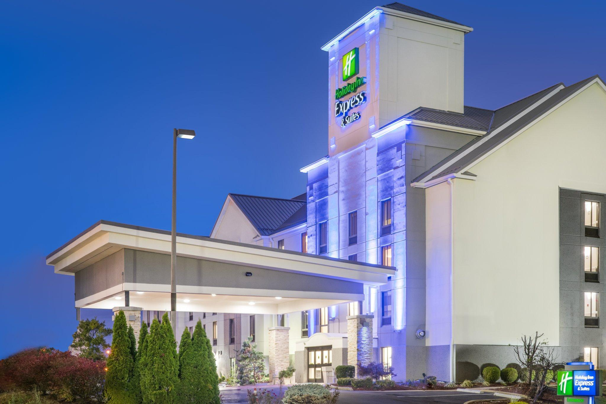 Holiday Inn Express Hotel And Suites Louisville East