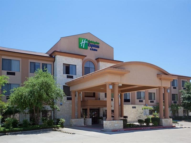 Holiday Inn Express Lakeline