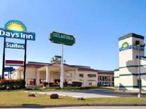 Days Inn and Suites Oklahoma City