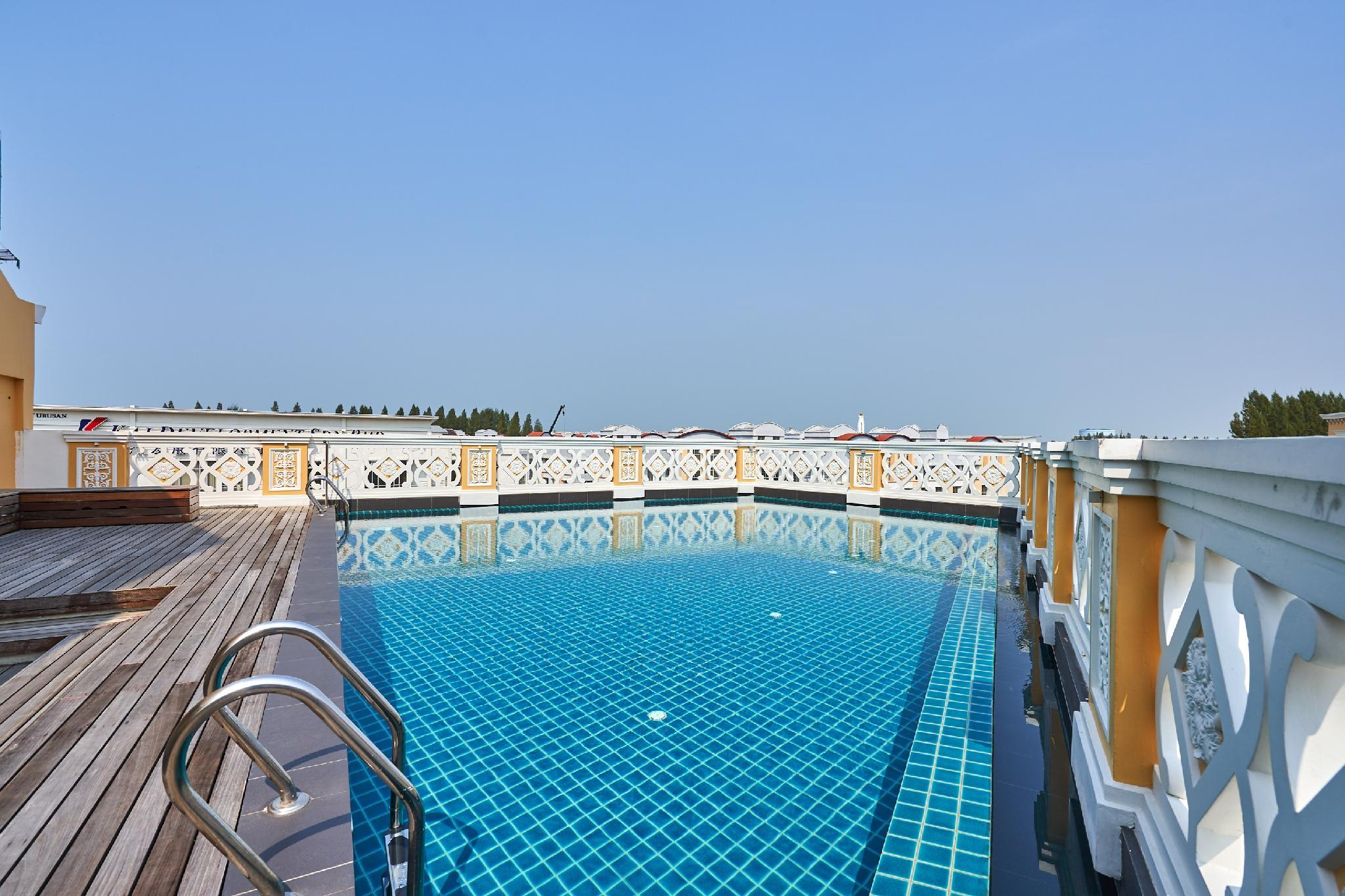 OYO Home 89377 The Platinum Hotel & Suites  Twin