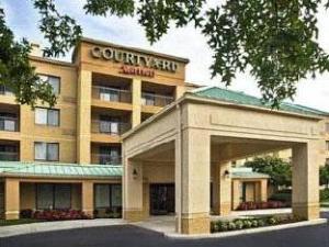 Courtyard By Marriott Richmond Northwest Hotel