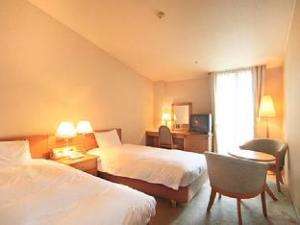 SunPlaza Seasons Hotel