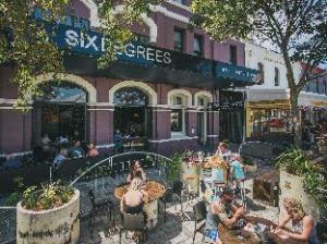 六度-乔治露台酒店 (Six Degrees (George on the Terrace))
