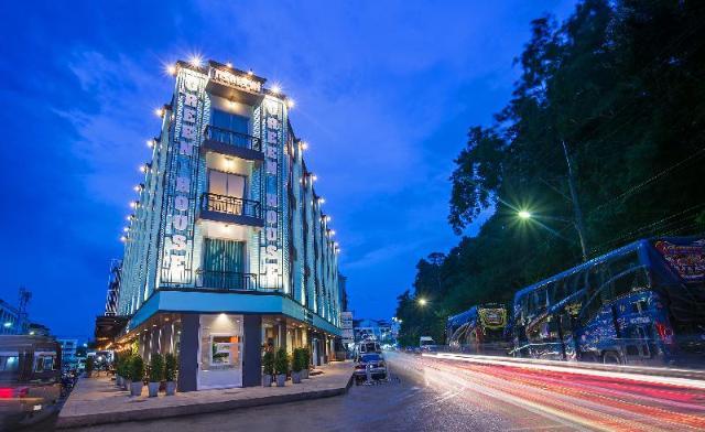 โรงแรมกรีนเฮาส์ – Green House Hotel